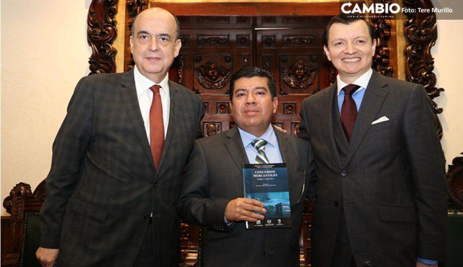 Presenta Jesús Salgado Marín su obra Concurso Mercantiles en la ELDP
