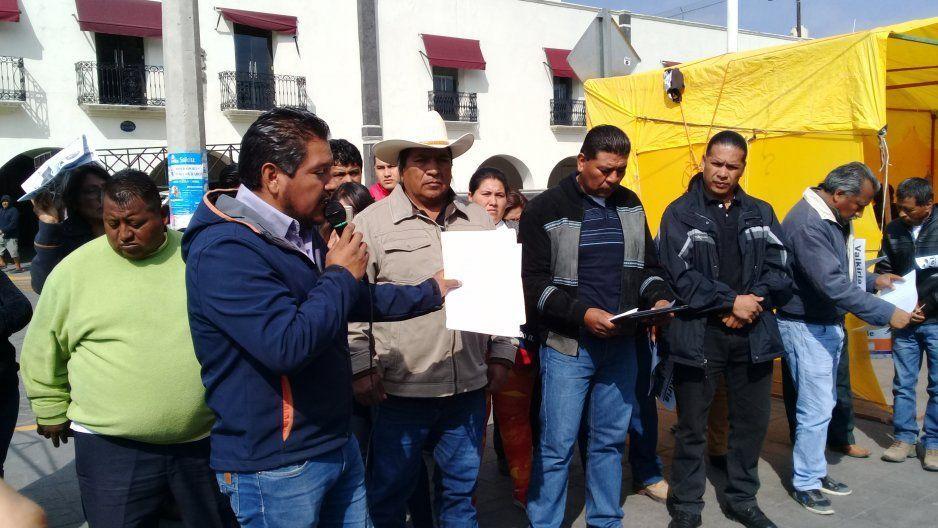 Candidatos a las juntas auxiliares de Huejotzingo amagan con no dejar instalar las casillas por falta de información