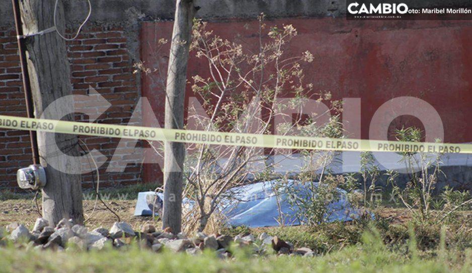 Hallan cuerpo de un hombre asesinado con rifle AR-15 en Cholula