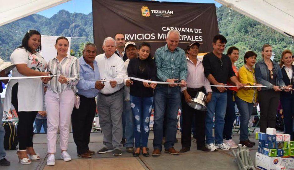Carlos Peredo inicia caravana de servicios municipales en Mexcalcuautla, Teziutlán