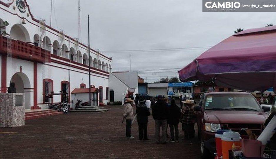 Pobladores toman la presidencia de Juan C. Bonilla por reinicio de obras del proyecto de descarga de aguas negras