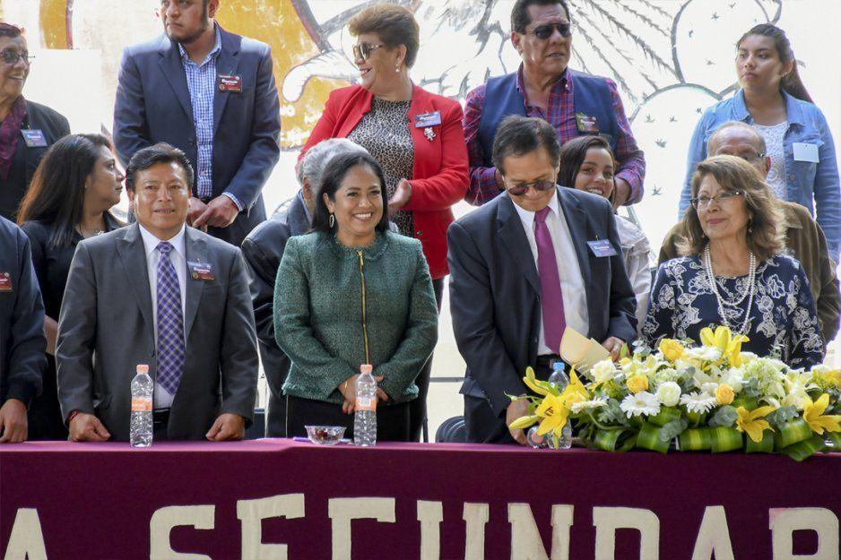 Reconoce alcaldesa Lupita Daniel nivel educativo de Secundaria Técnica 19 en su 40 Aniversario en Cuautlancingo