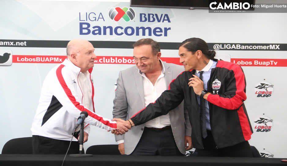 Por andar de vacaciones, Palencia aún no firma recontrato con Lobos