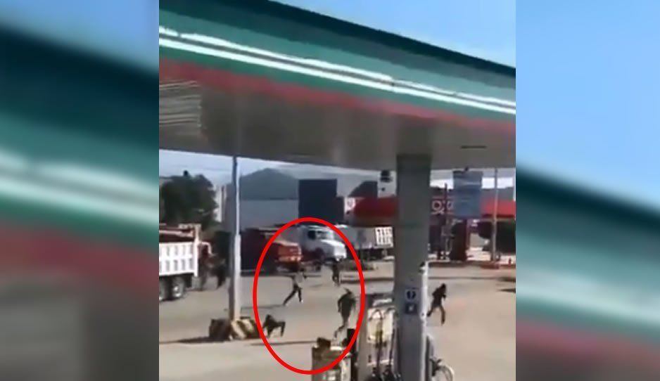 Sindicatos protagonizan enfrentamiento en la entrada de Oaxaca (VIDEO)