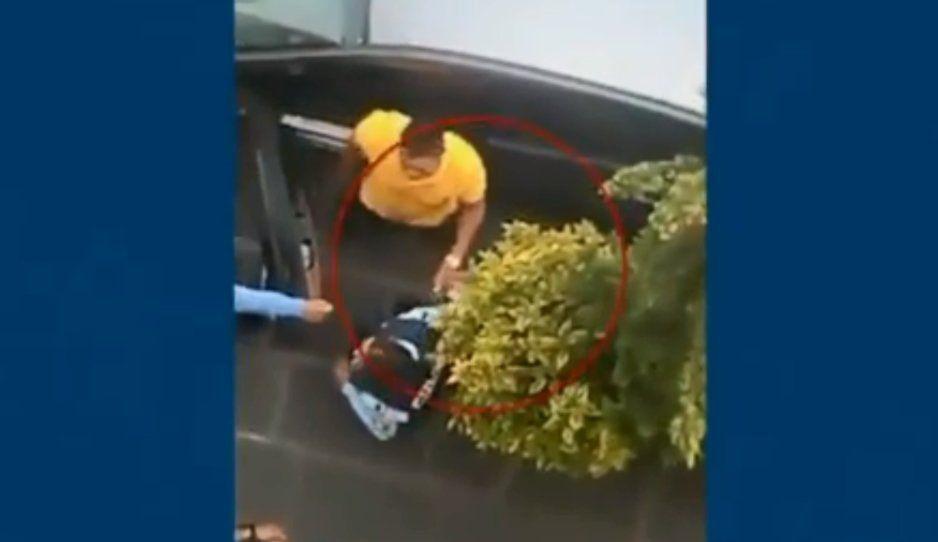 ¡Así son de mañosos! Exhiben a polis corruptos de Puebla recibiendo su mochadota (VIDEO)