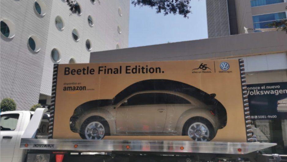 Amazon entrega en una caja el primer auto vendido por Volkswagen en Internet