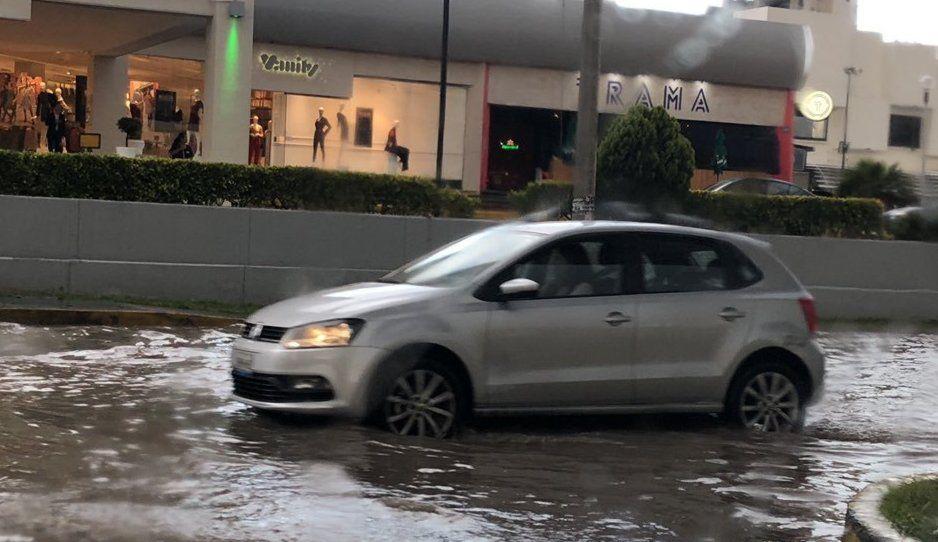 ¡Jueves de aguacerazo! Se inundan calles de Puebla tras tremendo tormentón (FOTOS y VIDEO)