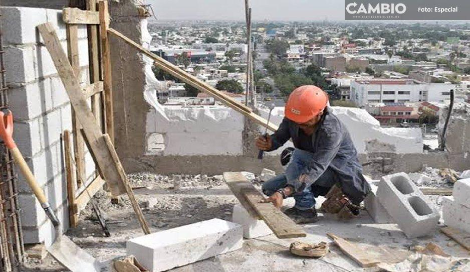 ¡Nadie se salva! Apuñalan a albañil en plena vía pública en Tehuacán