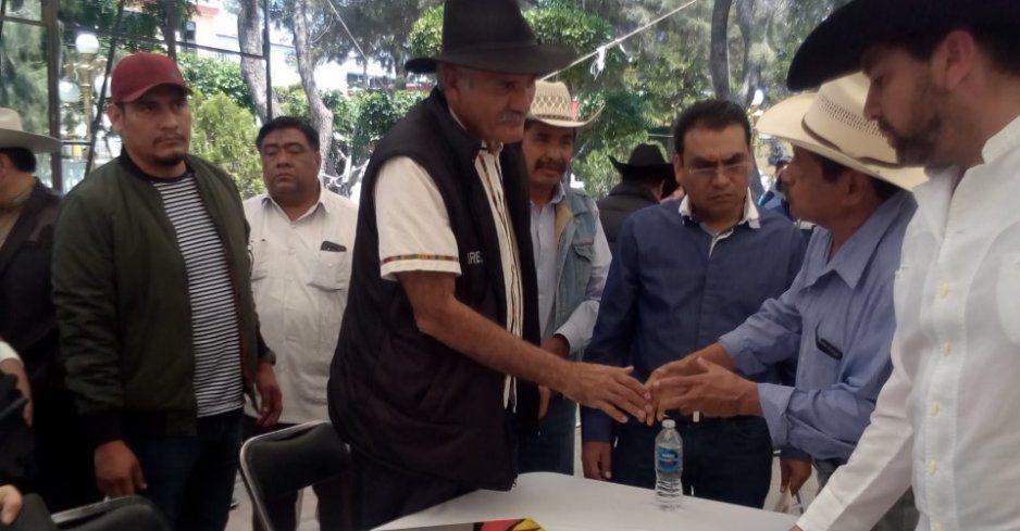 Llama Mireles Valverde a crear autodefensas sin armas para presionar a sus autoridades