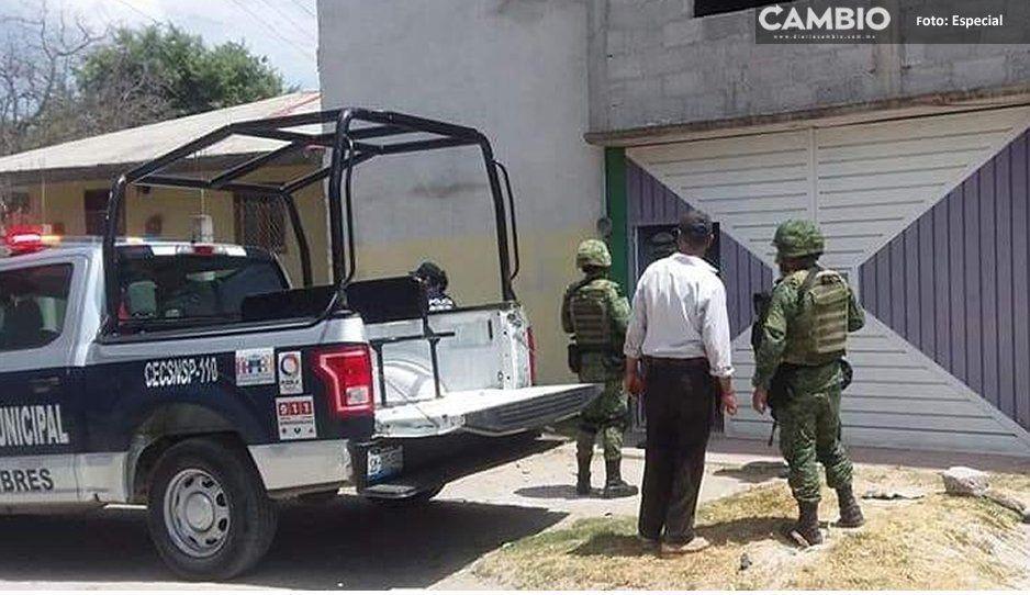 ¡Se salvan de ser linchados! Policía rescata a delincuentes en Libres