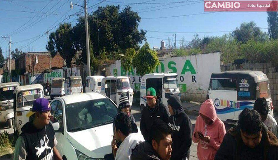 Mototaxistas de Xoxtla y Coronango en guerra por pasaje