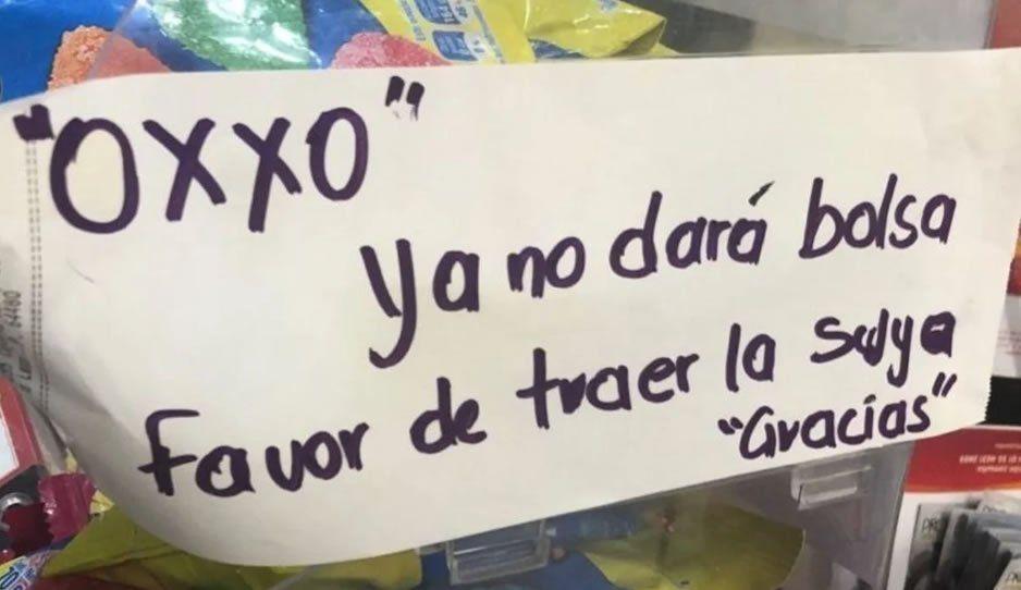 Oxxo dejará de darle bolsas de plástico a sus cleintes