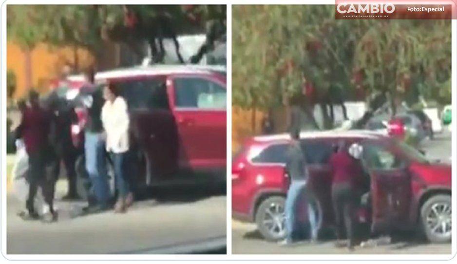 VIDEO: Sujetos despojan a familias de sus vehículos en calles de San Miguel de Allende
