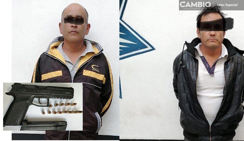 En Atlixco, aseguran a dos sujetos integrantes de una banda que se dedicaba al robo de vehículos