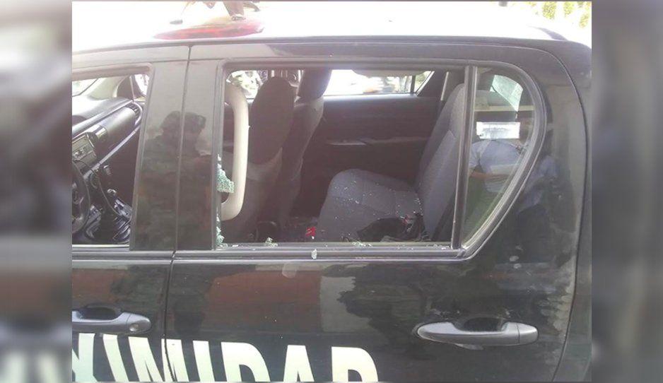 Balacera deja una patrulla dañaday vehículos aseguradosen Tecamachalco