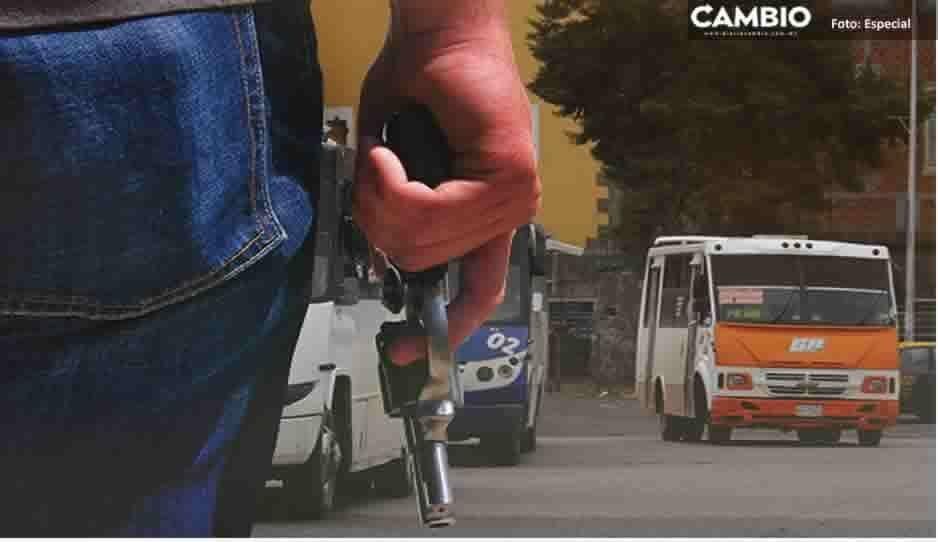 ¡Siguen los atracos! Sujetos armados asaltan transporte de personal de VW y tres rutas más