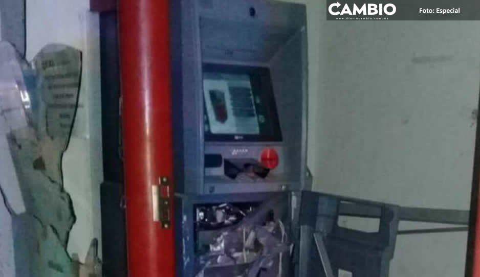 Comando mata a policía, roba armas y cajero automático en San José Chiapa