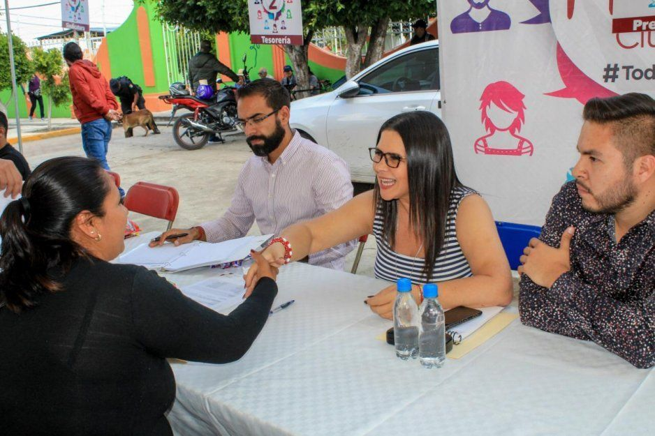 Gobierno de San Martín Texmelucan atiende peticiones de habitantes de Tecaltzingo