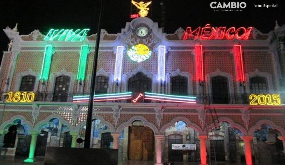 Cabildo se rebela a Patjane por espacios en balcones del Palacio Municipal en día del Grito en Tehuacán