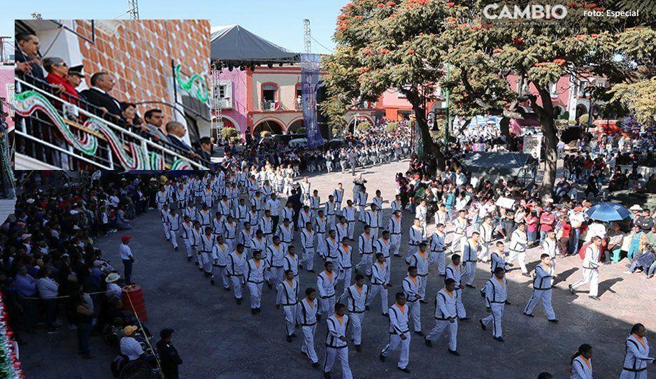 FOTOS: Realizan tradicional desfile cívico militar en Atlixco