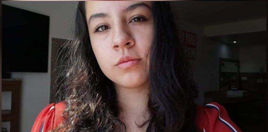 Desaparece Abril Stephania en Cuautlancingo ¡Ayuda a encontrarla!