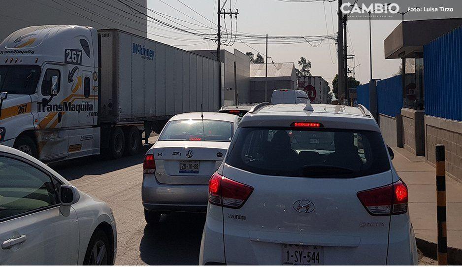 Caos vial en Cuautlancingo por el cierre de la Autopista México-Puebla
