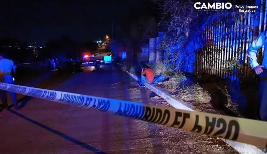 A balazos ejecutan a joven frente a su casa en San José Los Cerritos