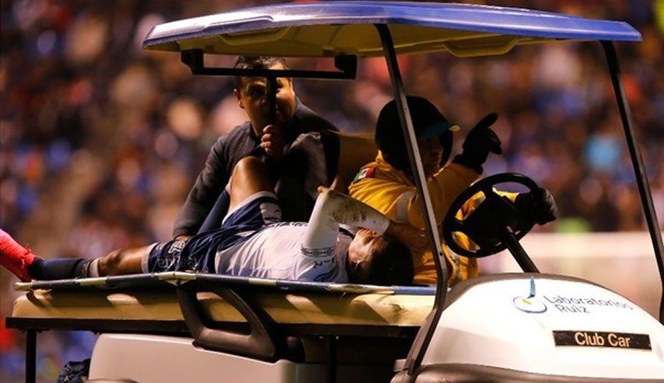Paganoni sufrió fisura en el cráneo tras choque con jugador de Gallos: está en observación