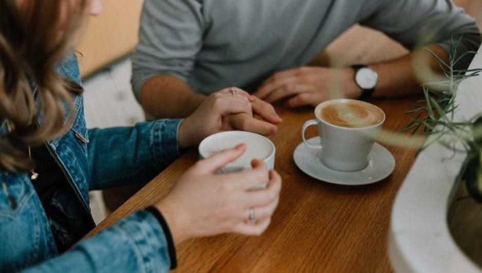 ¡Atención Godínez! Descontarán tiempo que trabajadores ocupen para tomar café o fumar