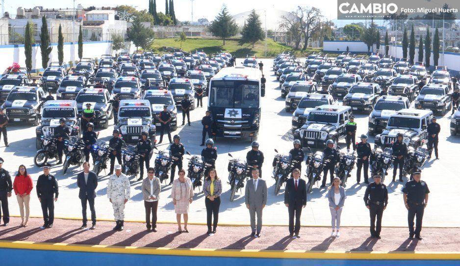 Claudia encabeza graduación de  109 policías y entrega 99 patrullas