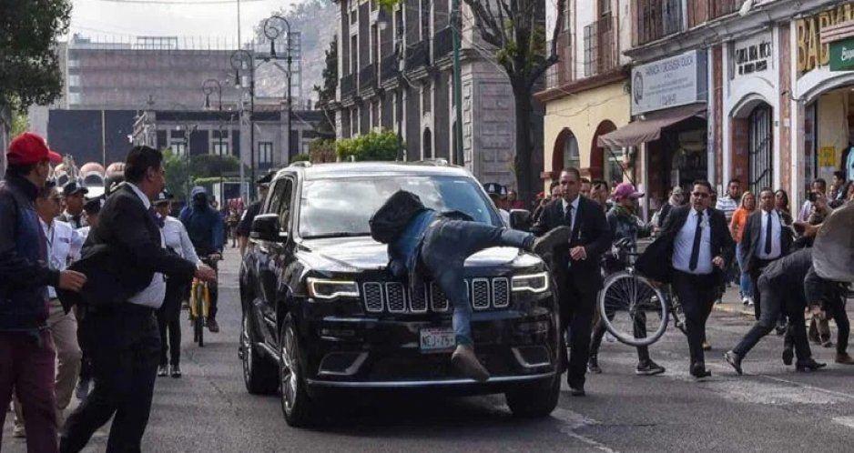 Diputado represor de Morena atropella a estudiante por manifestarse contra la 4T (VIDEO)