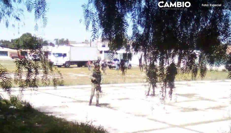 Gendarmería y agentes de la AIC catean casa con mercancía robada en Huixcolotla