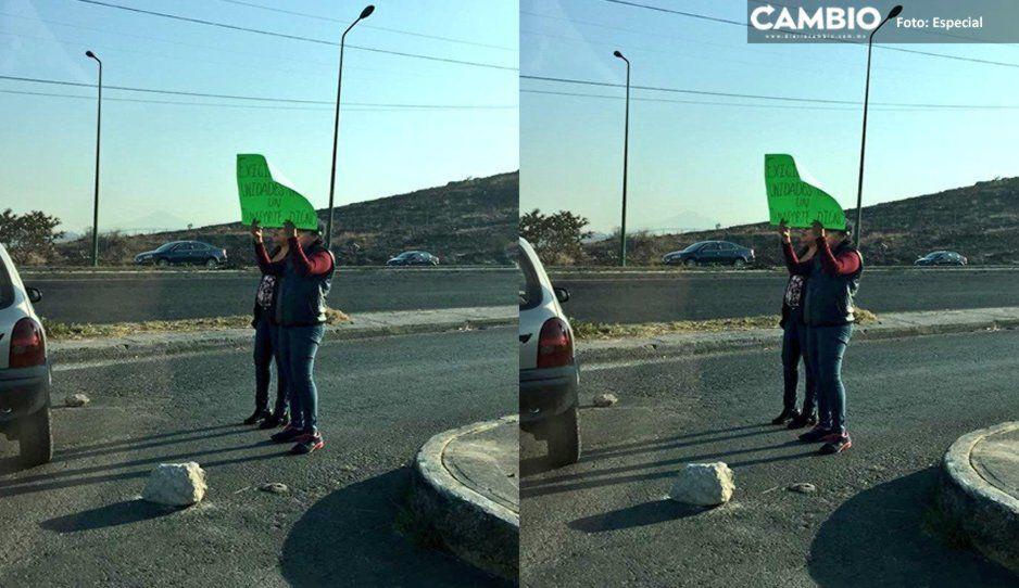 Vecinos de La Guadalupana cierran el Periférico; exigen a Claudia seguridad y pavimentación de calles
