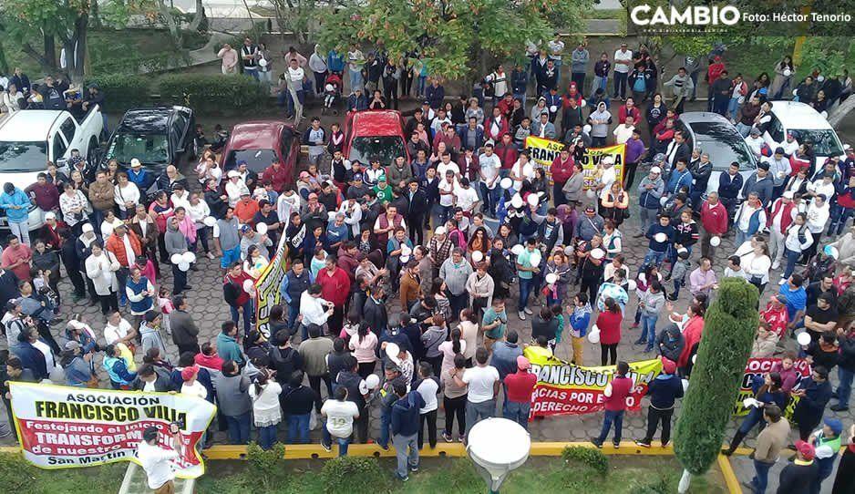 Tianguistas y asociaciones civiles realizan caminata en apoyo a Norma Layón en Texmelucan