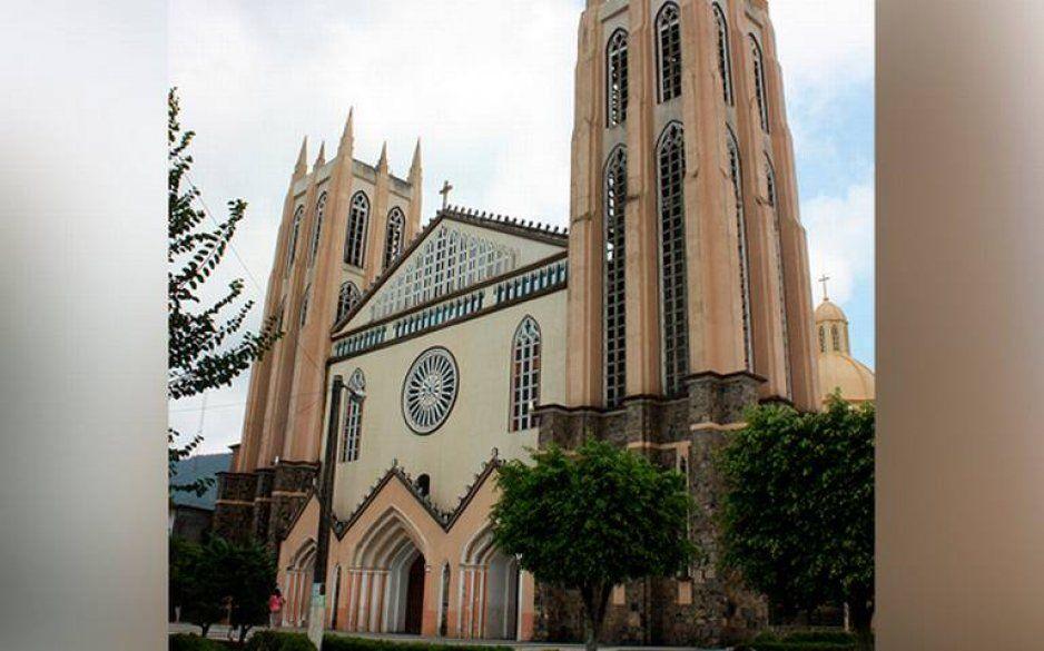 ¡Calma poblanos que lloran por Notre Dame! En Xicotepec tienen una catedral igualiiita (FOTOS)