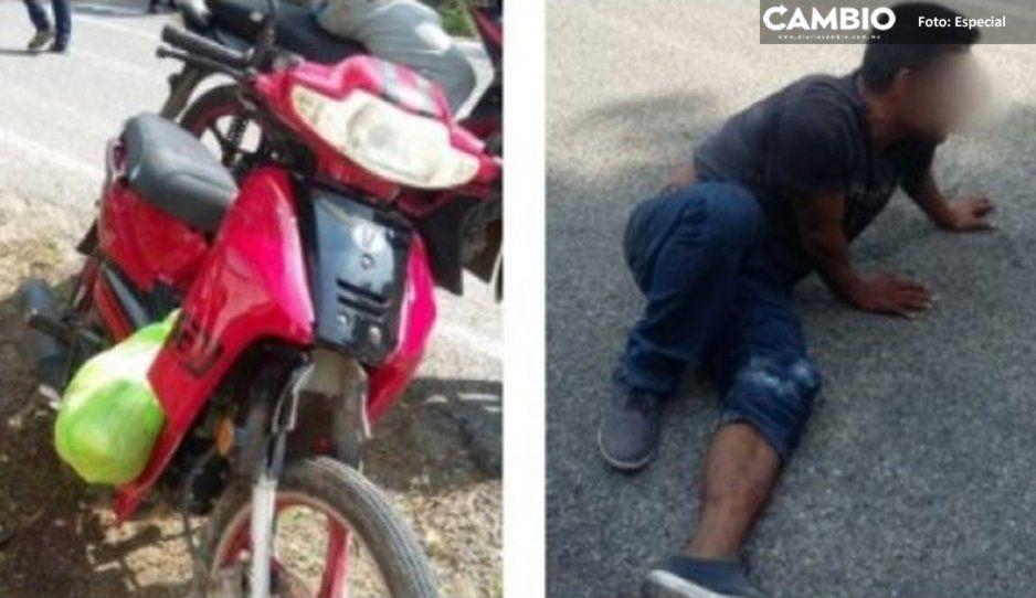 Tras persecución, vecinos y policías detienen sujeto que viajaba en motocicleta robada en Texmelucan