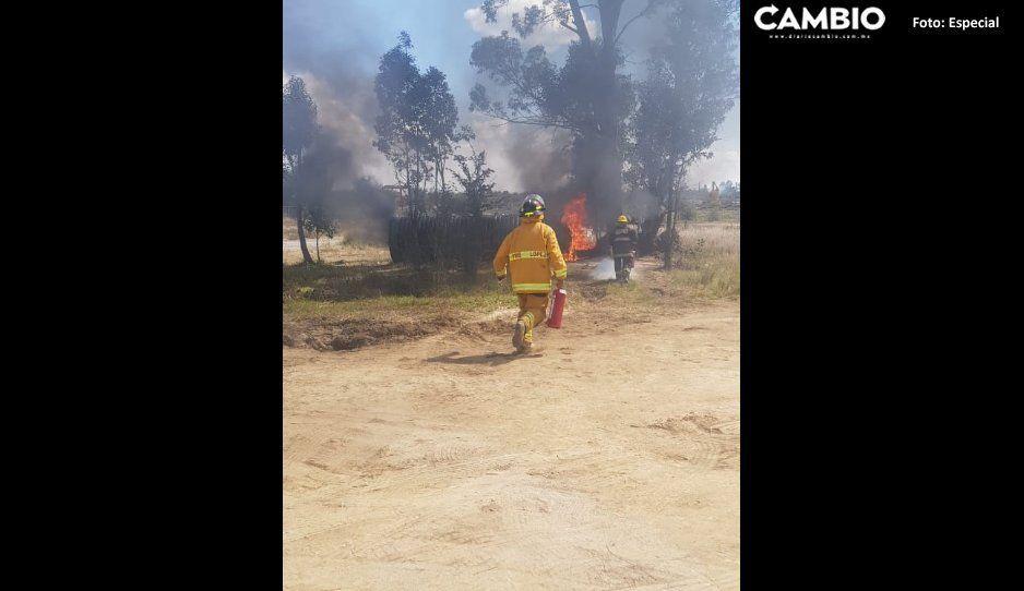 Encienden tubería y carpa en protesta  por colector industrial en Huejotzingo