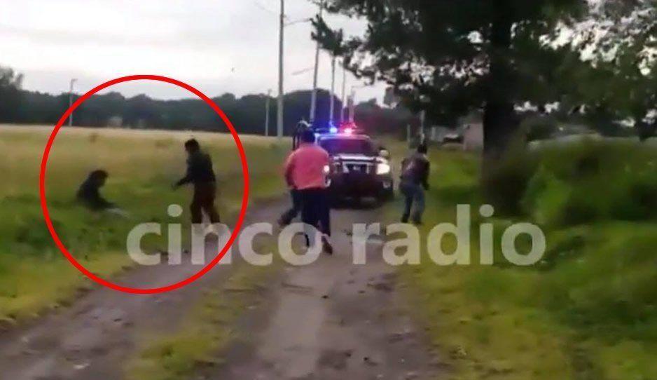 Riña entre vecinos termina en tragedia: policía mata a poblador en Amozoc (VIDEO)