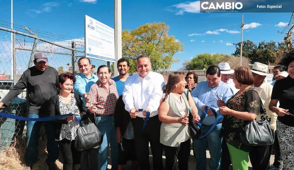 Inaugura edil Guillermo Velázquez drenaje sanitario en San Diego Acapulco, Atlixco
