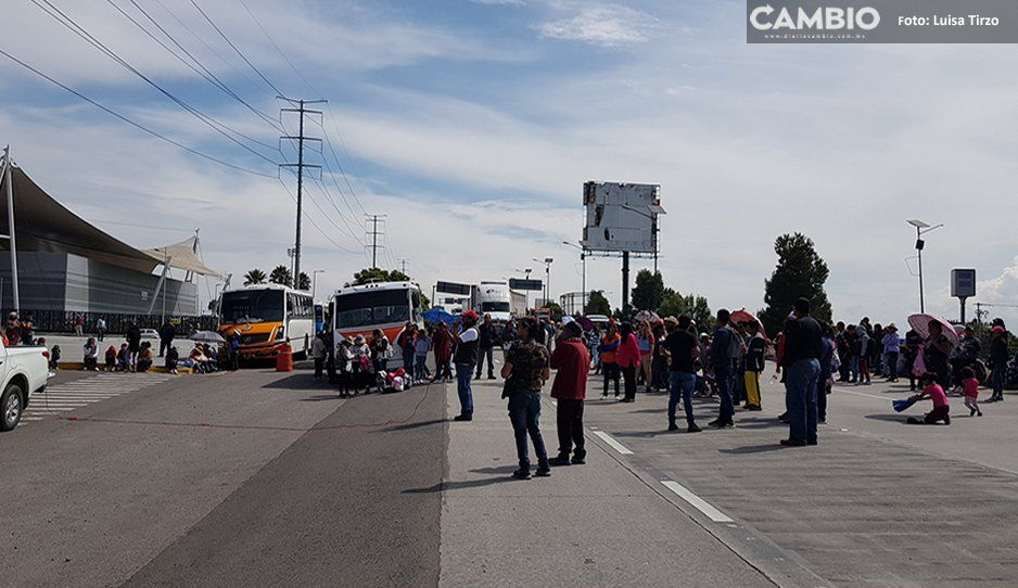 Antorchistas hacen plantón en el Periférico, no liberarán la vialidad hasta que llegue Lourdes Rosales (VIDEO)