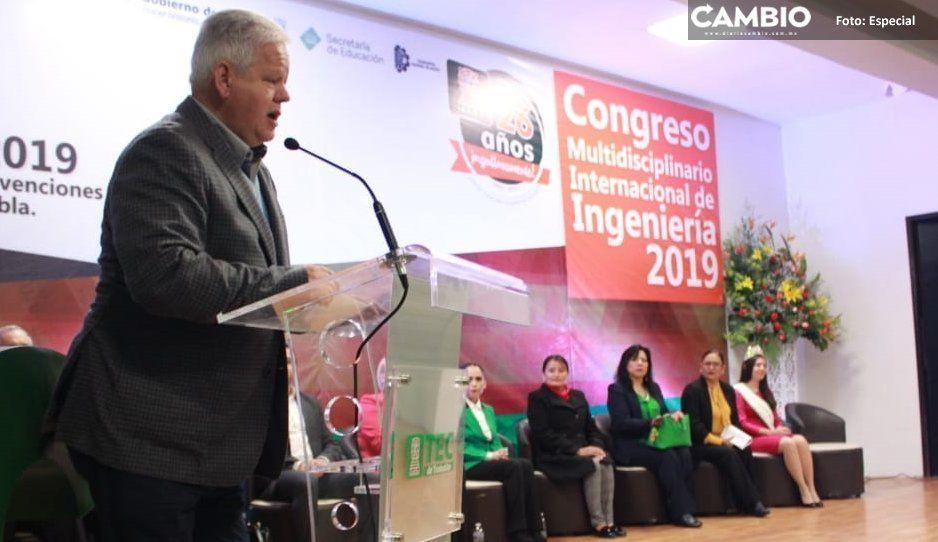 Alcalde Carlos Peredo refrenda su  compromiso con Tec de Teziutlán