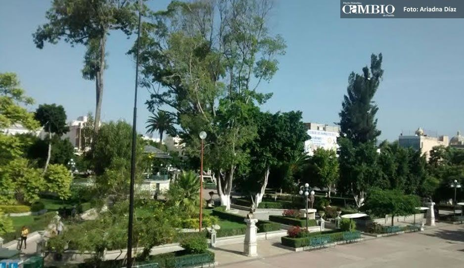 Por apego al decreto de Centro Histórico retiran a vendedores del Parque Juárez de Tehuacán
