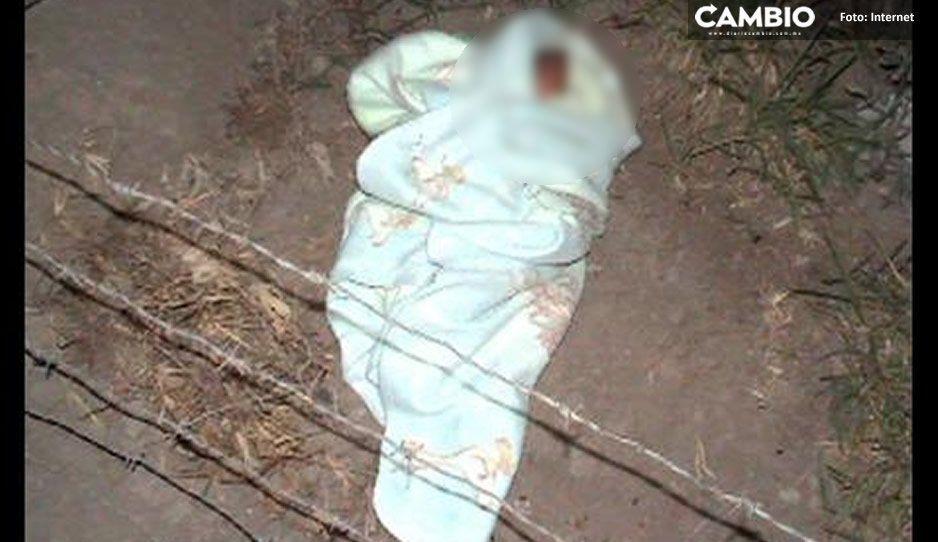 Padres desalmados abandonan a bebita recién nacida y muere cuando era atendida por paramédicos en Tlahuapan
