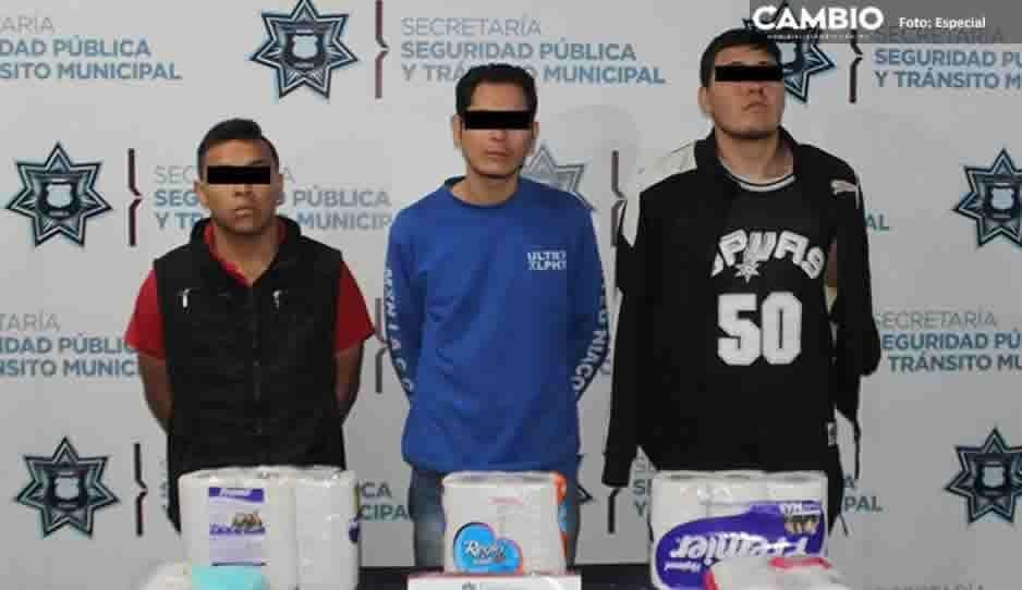 Policías frustran asalto a Oxxo y detienen a delincuentes en Bosques de San Sebastián