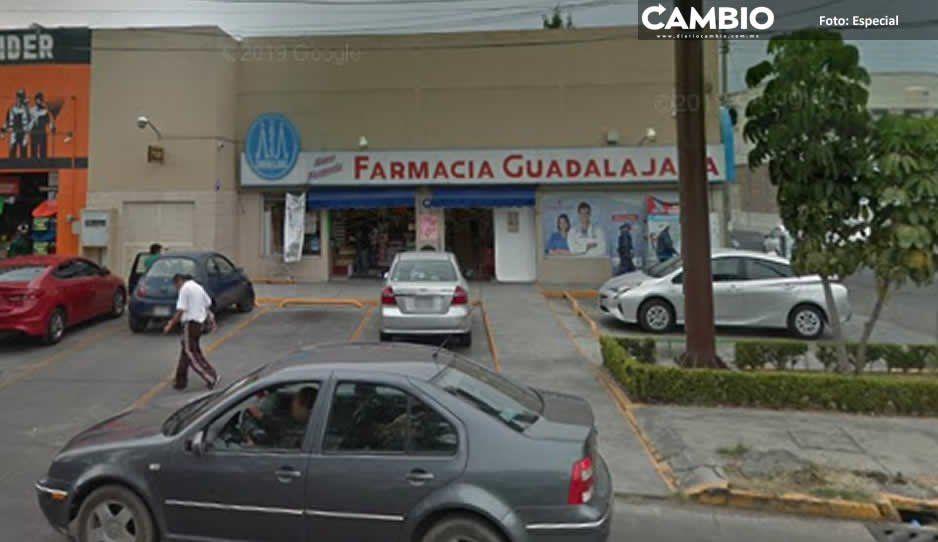 Supuestos Zetas atracan una Farmacia  Guadalajara en la colonia Valle Dorado
