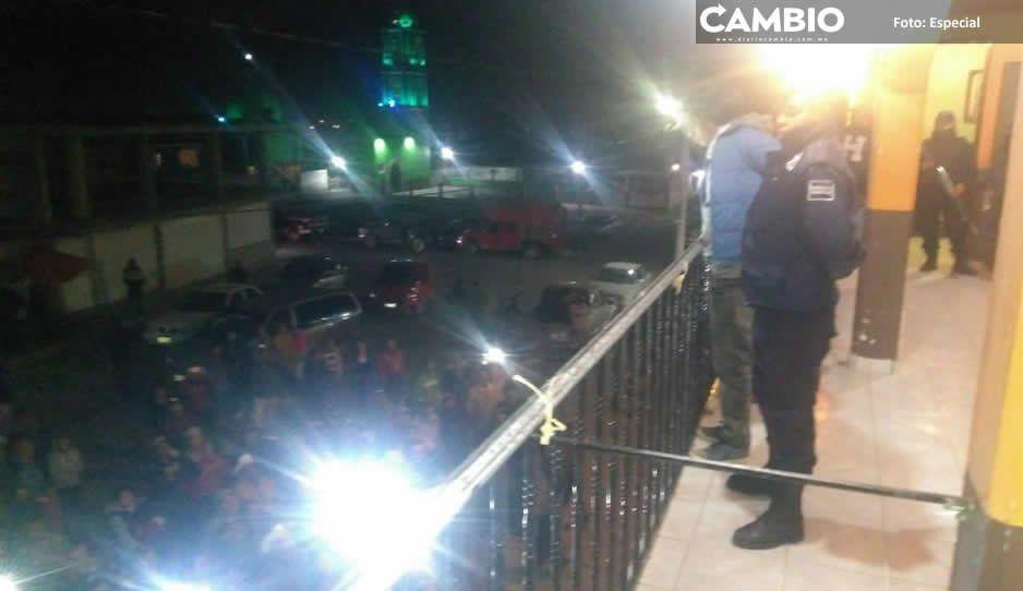 Pobladores intentan linchar a pareja en Tlahuapan; los acusan de robar ganado