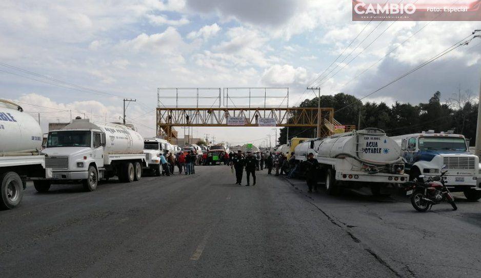 ¡Caos vial en Amozoc! Transportistas cierran la federal a Tehuacán y la Amozoc-Nautla