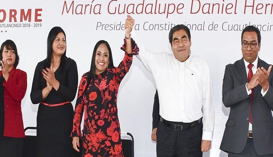 Respalda Miguel Barbosa a Lupita Daniel en su Primer Informe de Gobierno de Cuautlancingo