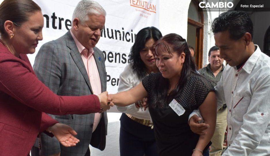 Angélica Hernández y Carlos Peredo entregan  más de 30 aparatos ortopédicos en Teziutlán