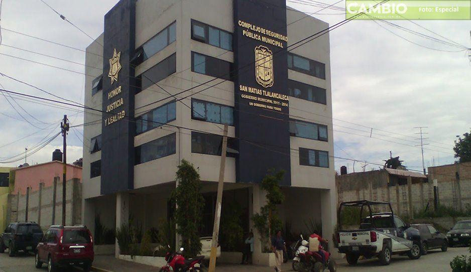 Más de 60 personas agreden a policías de Tlalacaleca, buscan liberar a su familiares